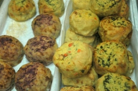 Yonah-Schimmels-Knish-Bakery-New-York-Busines-Insider-e1345409966608