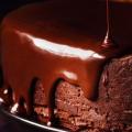 Bolo de chocolate com calda