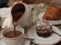 Angelina, a instituição parisiense do Chocolate Quente