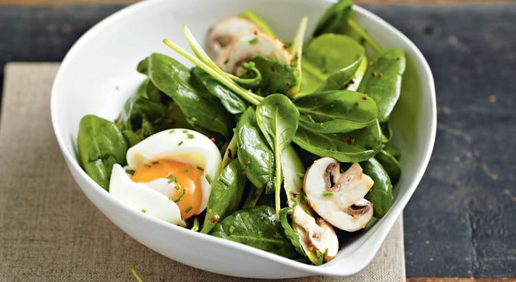 salada de espinafre,ovo e cogumelo