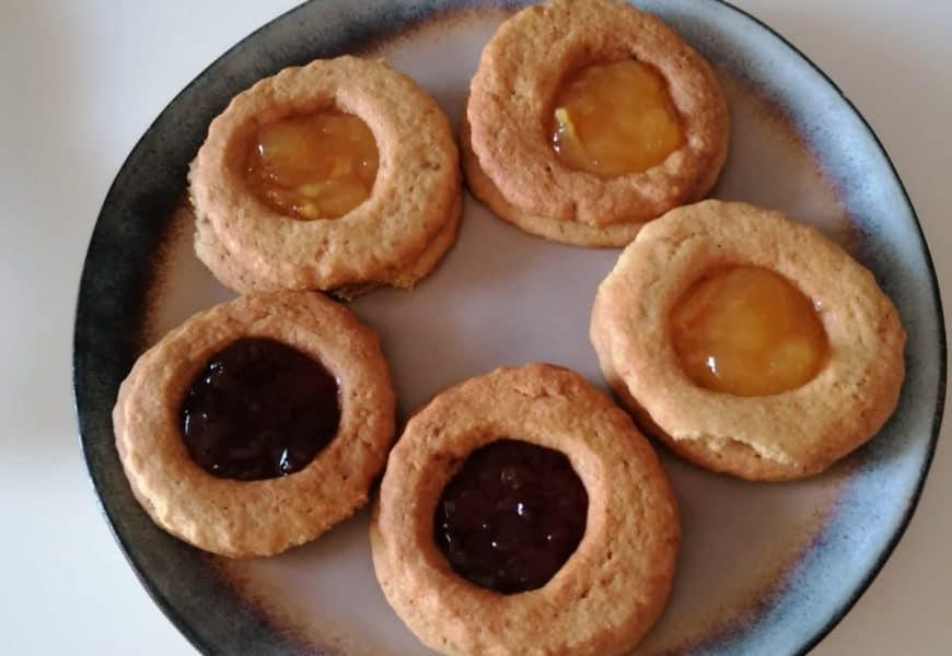 Biscoitos com Geléia (Biscuit Lunettes)