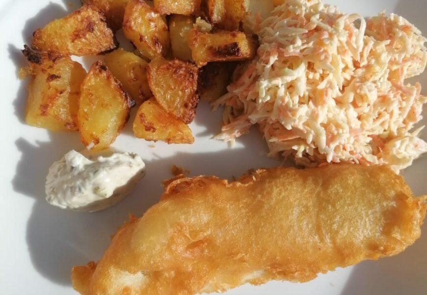 Receita Fish and Chips original do peixe empanado inglês